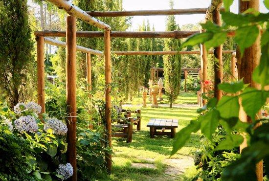 Villa Toscana Boutique Hotel: Jardines