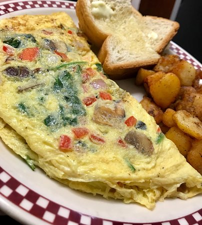 Lee, MA: Aiellos Breakfast and Lunch