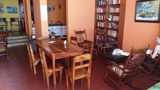 Hostal Guardabarranco: Communal Lounge / Dining
