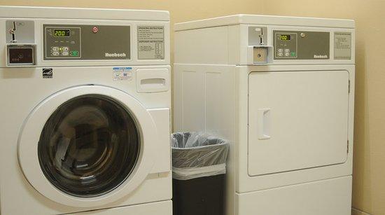 Sedalia, MO: Laundry Facility