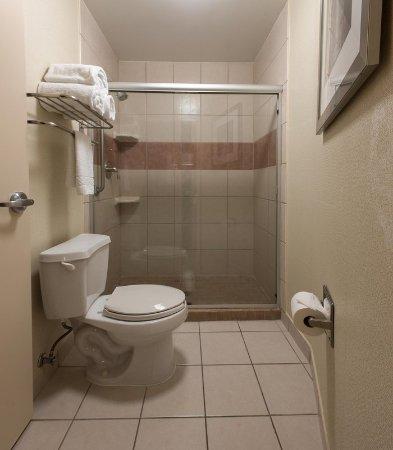 Ridgecrest, CA: Suite Bathroom
