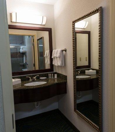 Ridgecrest, CA: Suite - Vanity