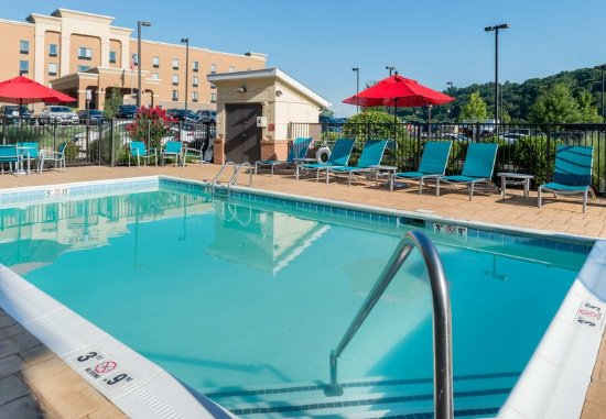 TownePlace Suites Huntington: Pool Area