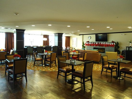 Alpine, تكساس: Our hotel offers the most extensive breakfast selection in Alpine!