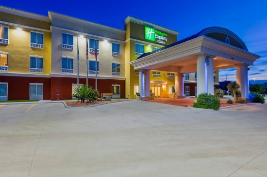 Alpine, TX: Hotel Exterior at night