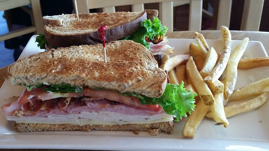 Oceanic Oceanfront Dining: club sandwich