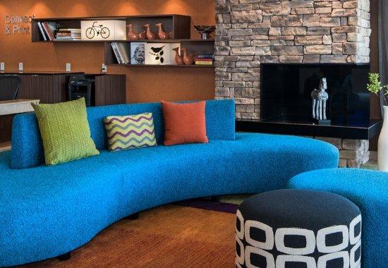 Benton, AR: Lobby Sitting Area