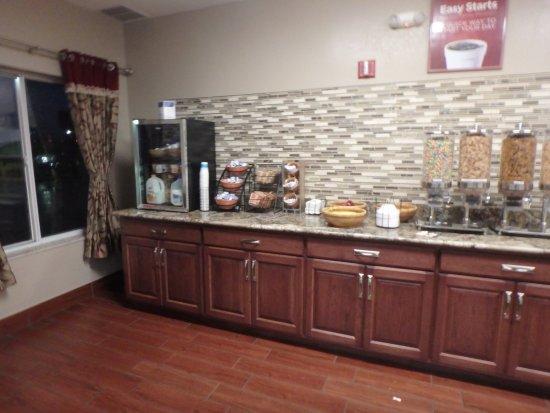 Shelbyville, IN: breakfast room
