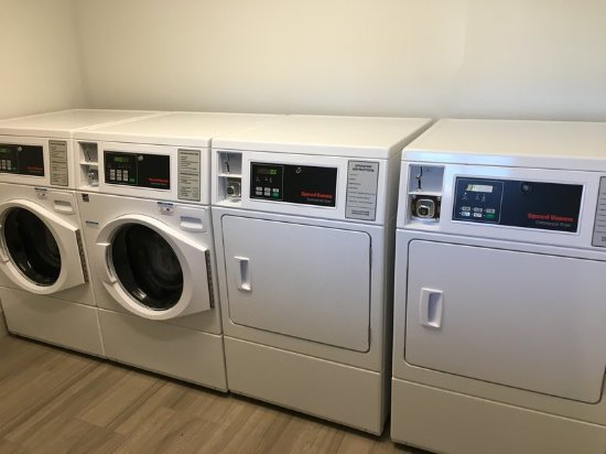 Rice Lake, Висконсин: Laundry Facility