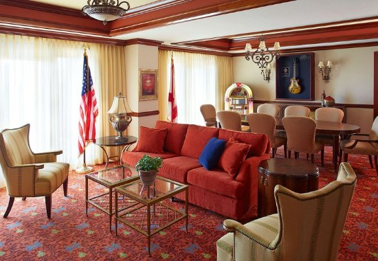 Florence, ألاباما: Sam Phillips Suite – Living & Dining Area
