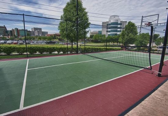 Residence Inn Morgantown: Sports Court