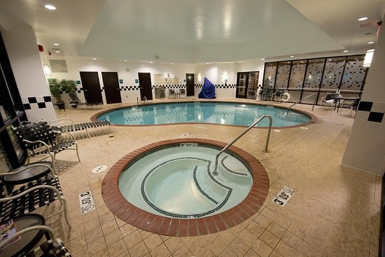 The market pantry picture of doubletree suites for Bentonville pool