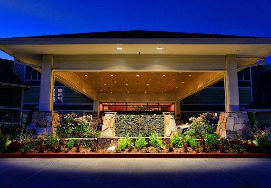 Lake Arrowhead, CA: Entrance