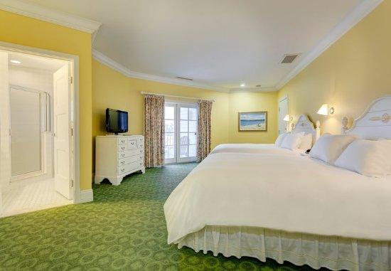 Bay Harbor, MI: Queen/Queen Guest Room