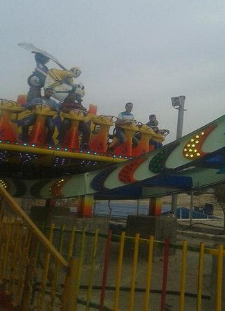 Bahadurgarh, Hindistan: ali brothers amusement rides thrilling mega disco for sale