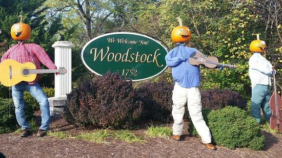 Woodstock, VA: sign entering the area
