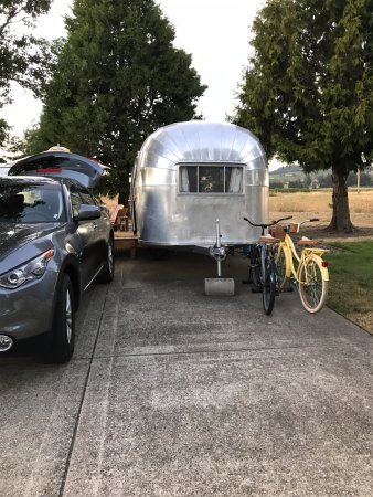Dayton, OR: 1957 Airstream amd bikes