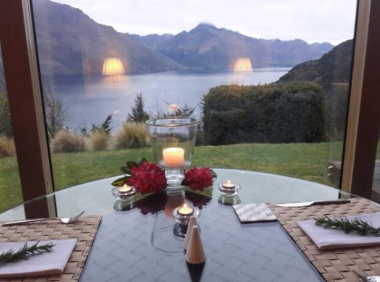 Azur: Candlelit dinner by request.