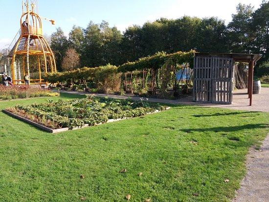 jardin d 39 auvent flamand photo de parc mosaic houplin. Black Bedroom Furniture Sets. Home Design Ideas