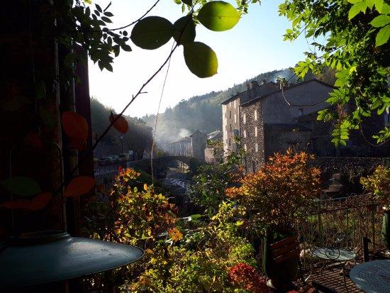 Saint Andre de Valborgne, France: village vu de la terrasse