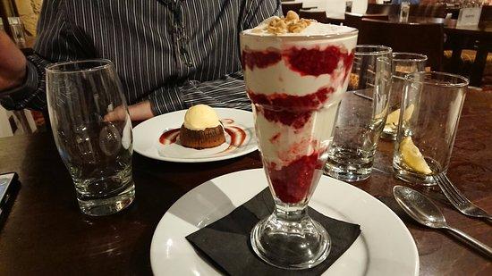 Tankersley, UK: Dessert from the evening menu