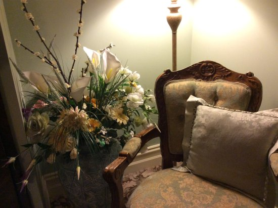 Barnsley House Bed & Breakfast: Lovely decoration in our room