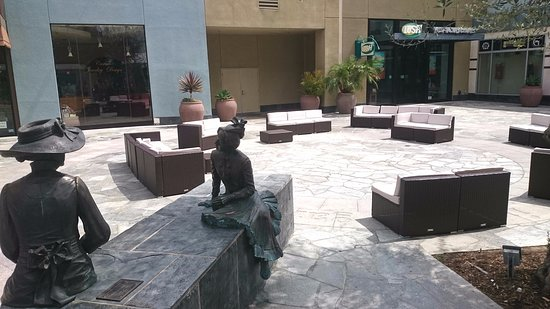 Garden Walk Mall Anaheim: All You Need To Know Before You Go
