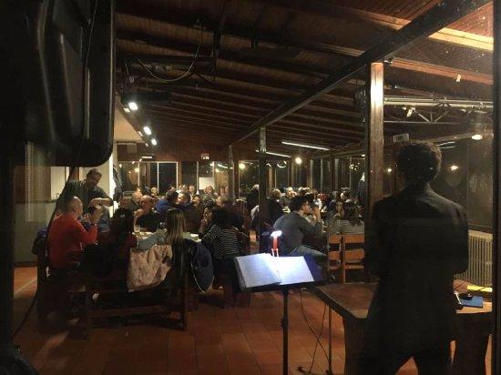 Recetto, İtalya: Il luogo ideale per feste ed intrattenimento musicale