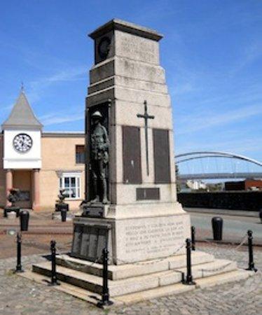 Holyhead, UK: Holyhead War Memorial. 