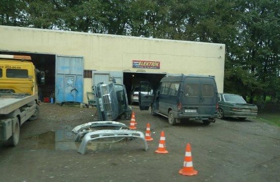 Astara, Aserbaidschan: Werkstätten säumen die Straßen
