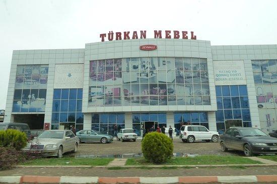 Astara, Aserbaidschan: Hoher Bedarf an Möbeln, offenbar