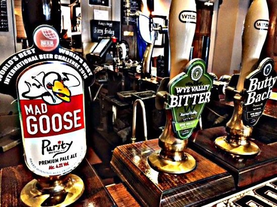 The King's Head Hotel : Local Real Ales