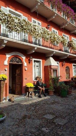 Corneliano d'Alba, Italia: photo1.jpg