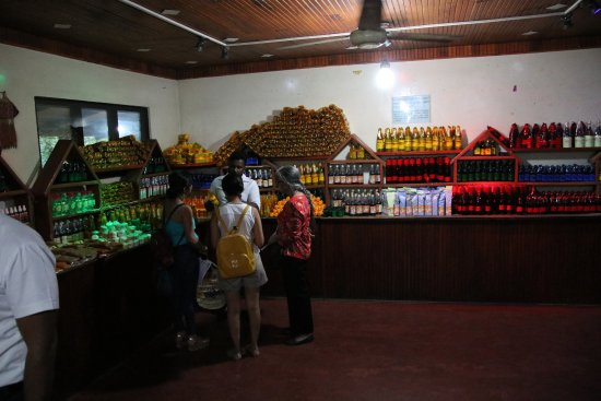 Sabaragamuwa Province, Sri Lanka: The shop with expensive bottles