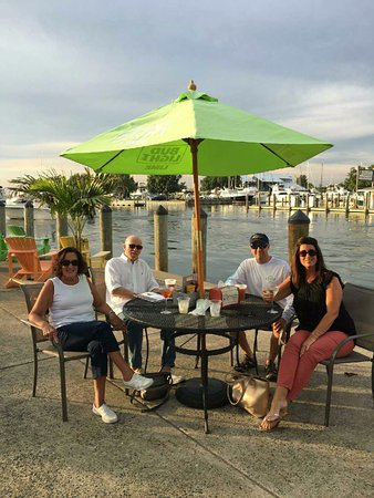 Tilghman, MD: Outside dining at Characters
