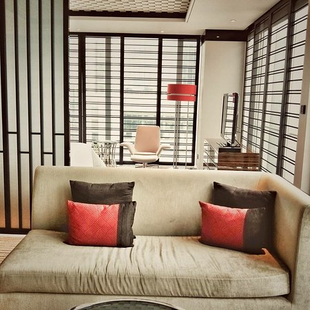 Four Seasons Hotel Shanghai at Pudong: IMG_20171025_040240_647_large.jpg
