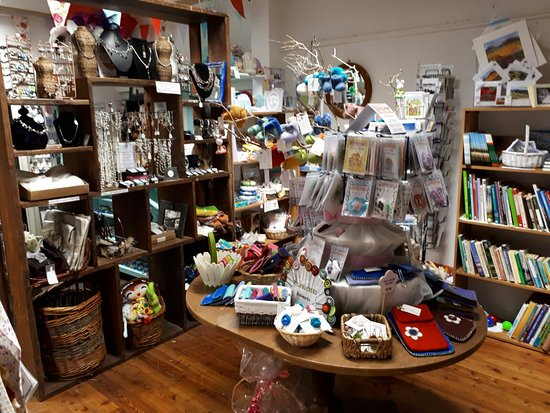 Newport, Irlandia: Great choice in gifts & interesting finds!