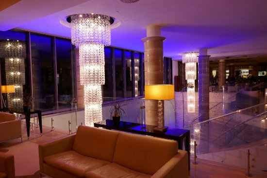 Savudrija, Kroatia: Hotelhalle abends