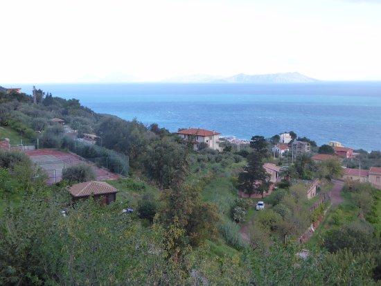 Agriturismo Santa Margherita: View accross the sea