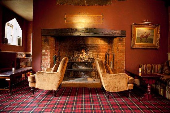 Ravenwood Hall Country Hotel: Lounge Area
