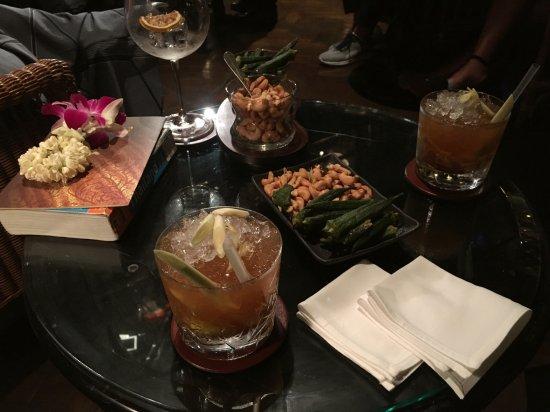 The Bamboo Bar: 모히또를 태국식으로 잘 해석한 타히또