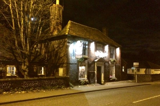 Emsworth, UK: Pub with character