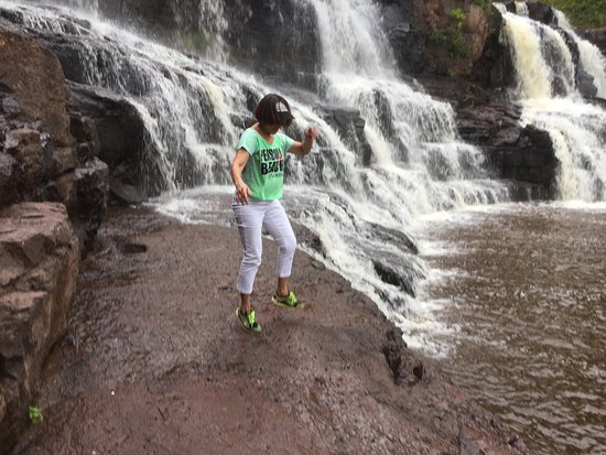 Two Harbors, MN: Dancing to the rhythm of this scenic waterfalls!