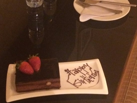 the chocolate cake/paste ! the surprise I had in the room for my
