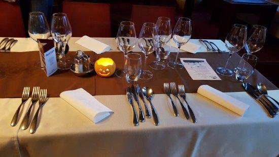 Part Café: Table laid