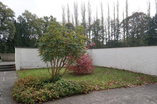 Moerzeke, Bélgica: Blessed Edward Poppe's Tomb & Chapel
