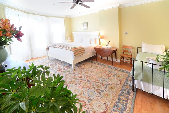 The Springwater Bed And Breakfast Saratoga Springs Ny