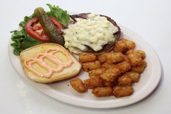 Junction City, OR : Blue Cheeseburger & Tots @ the Guaranty Café