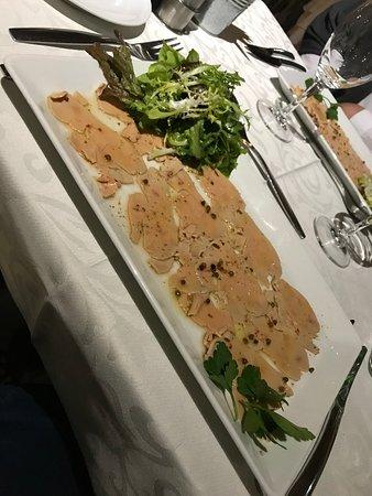 Saint-Gatien-des-Bois, Γαλλία: Carpaccio de fois gras