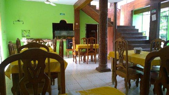 Santa Elena, Mexico: Mesas y sillas